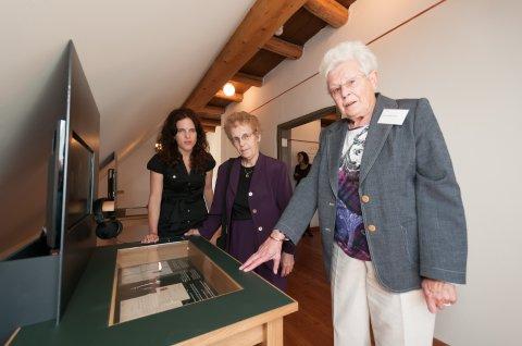 Coby (rechts) mit Ruth und Susan Muscovitch